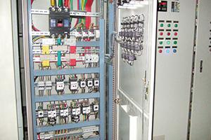 电气控制系统内部结构
